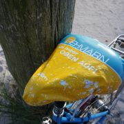Abbidung Fahrradsattelbezug Tourismus-Service Fehmarn auf Fahrrad